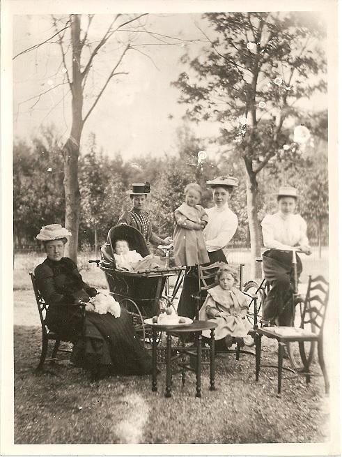 Berlage_family_1901_sm