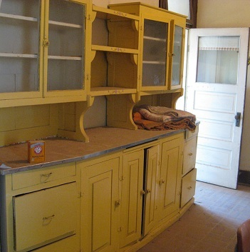 Kitchen_cabinets