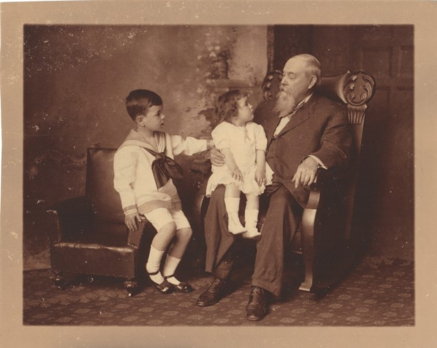 Dr. Lemuel with grandchldren James H Offutt Jr and Betty Offutt sm.jpg